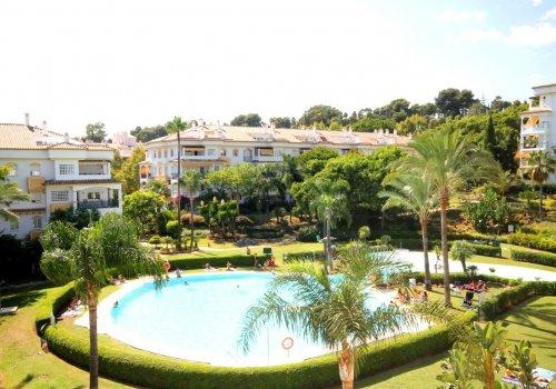 Precioso bajo de 3 dormitorios en alquiler en Marbella