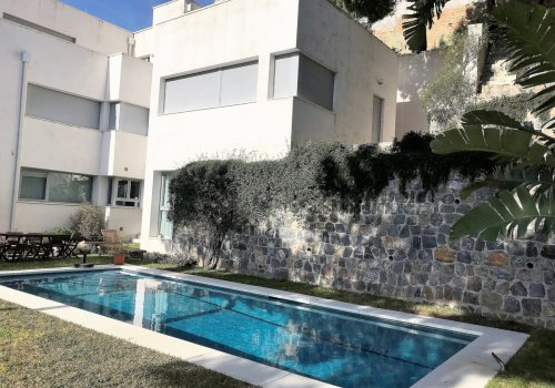 Magnificent independent villa in the Limonar with spectacular views of the bay and the port of Malaga.
