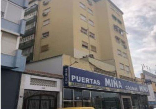 Avenida Juan XXIII, Cruz Humilladero, Málaga, piso