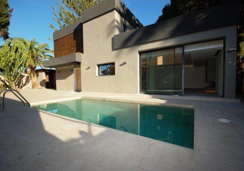 Villa de extremo lujo en urbanización Costabella en Marbella.
