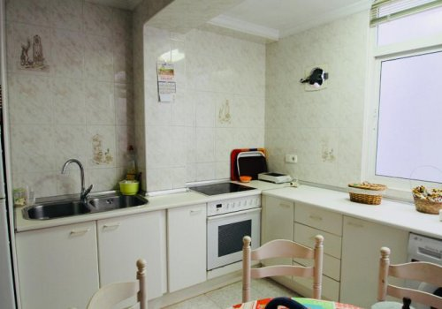 Large house in the area of Alameda de Capuchinos, Olletas sector!