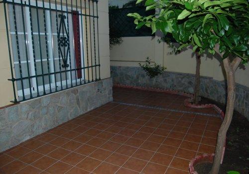 Se alquila Chalet adosado en la zona de Los Prados!!