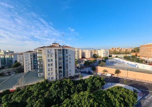 Housing for rent in the Bailén Miraflores area !! Spacious 3 bedroom apartment with garage !!