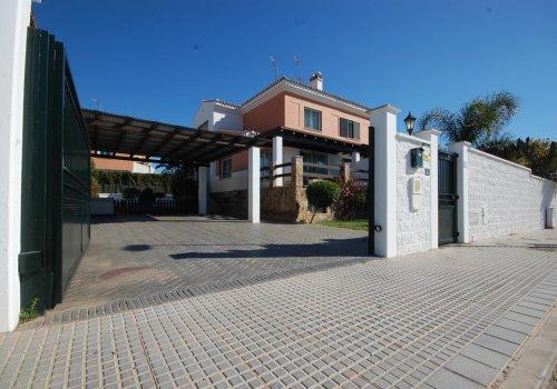 Increible Villa pareada en venta zona el olivar.