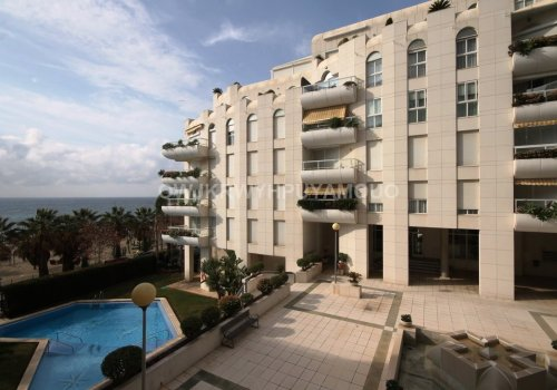 3-bedroom apartment in the first beach line complex, Marbella centre