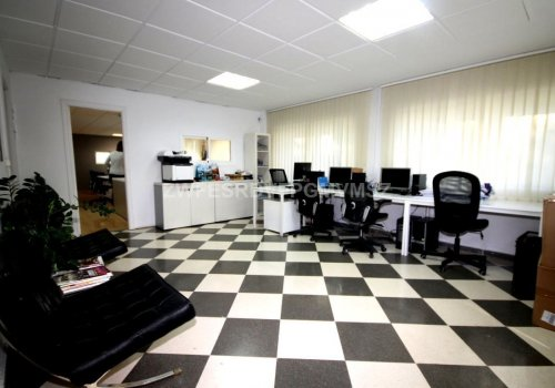 Alquiler larga temporada de oficina en Torremolinos