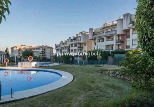 Fantástico apartamento en zona Montsálvez Churriana, Málaga.
